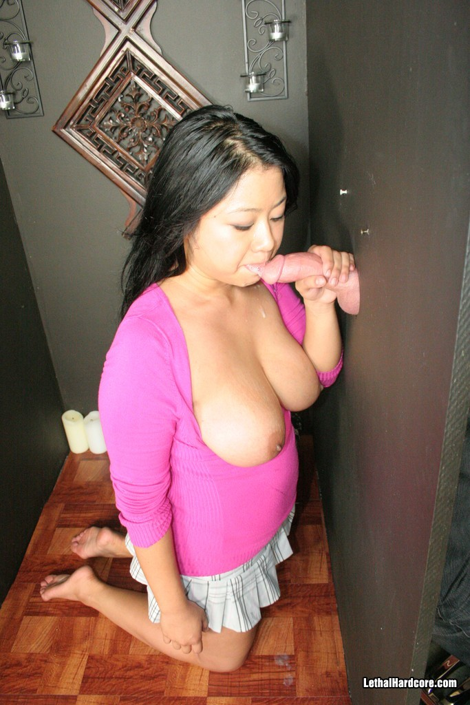 Kya_Tropic_Gloryhole_Sex_Pictures_015